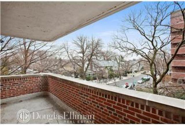 920 East 17th Street, Unit 416 Image #1