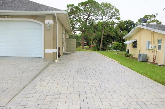 1946 Indian Creek Drive North Fort Myers, FL 33917