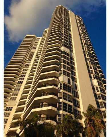 3500 Mystic Pointe Drive, Unit 3502 Image #1