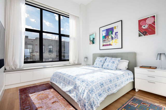 172 North 10th Street, Unit 3C Brooklyn, NY 11211