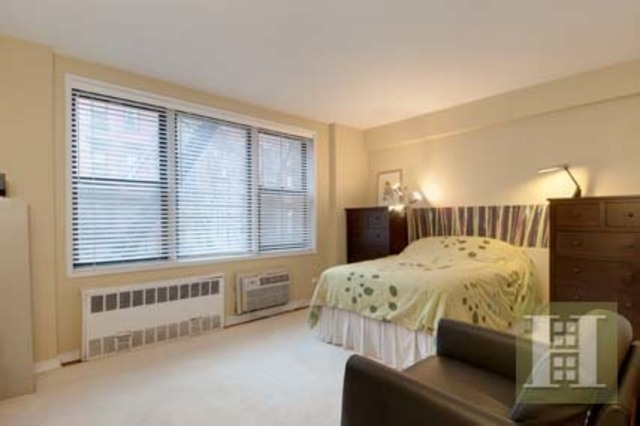 211 East 18th Street, Unit 1G Image #1