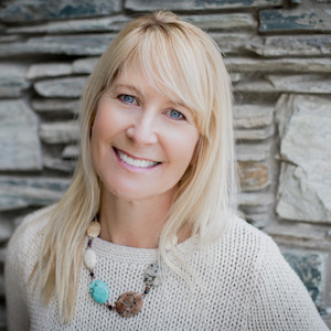 Tracey Lawlor,                     Agent in San Diego - Compass