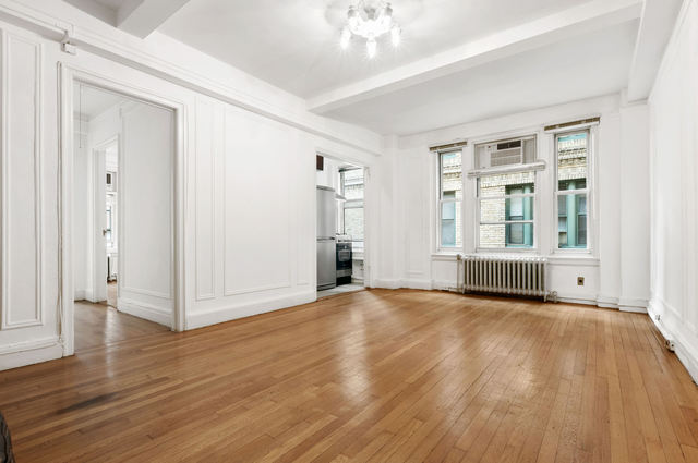 325 West 45th Street, Unit 804 Image #1