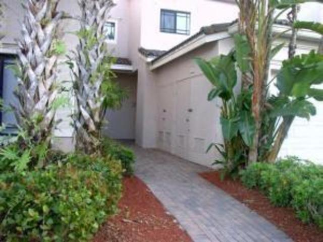 2810 Grande Parkway, Unit 103 Palm Beach Gardens, FL 33410