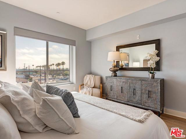 13337 Beach Avenue, Unit 408 Marina del Rey, CA 90292