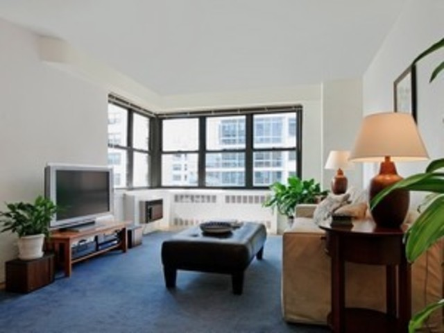 399 East 72nd Street, Unit 10D Image #1