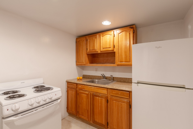 1304 Saint Lawrence Avenue, Unit Garden Bronx, NY 10472