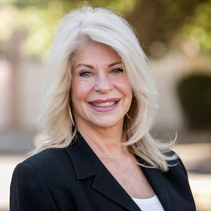 Gail Wood, Agent in Los Angeles - Compass