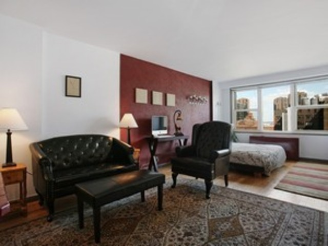 305 East 24th Street, Unit 15K Image #1