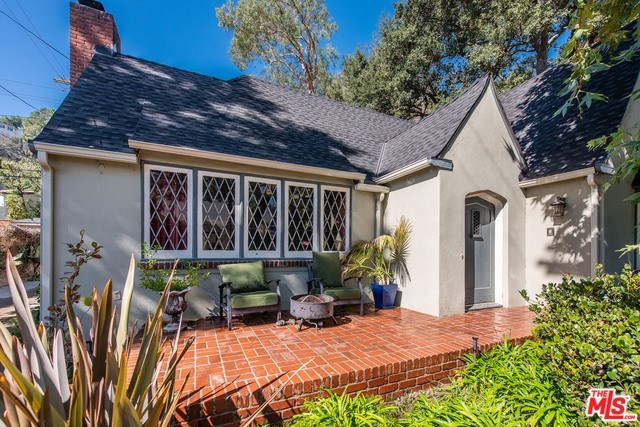 2753 North Beachwood Drive Los Angeles, CA 90068
