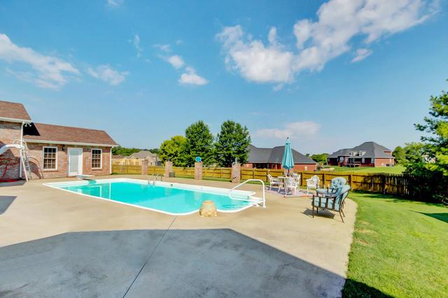 276 Avignon Way Clarksville, TN 37043