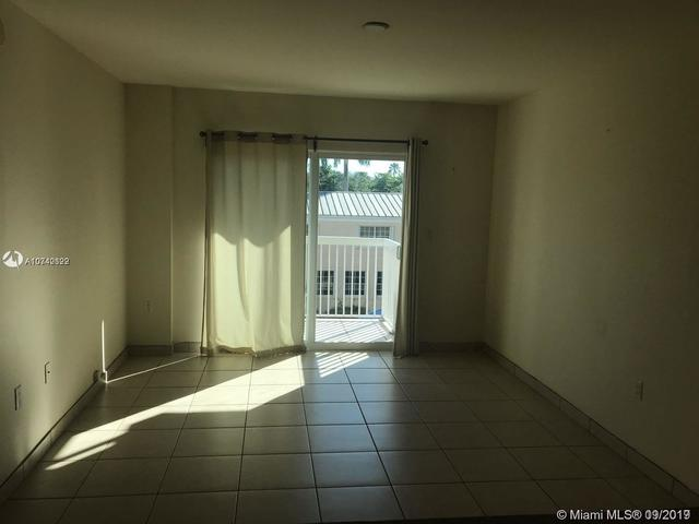 2740 Southwest 28th Terrace, Unit 305 Miami, FL 33133