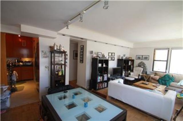 240 East 46th Street, Unit 12C Image #1