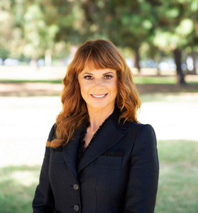 Kristine Cook, Agent in Los Angeles - Compass