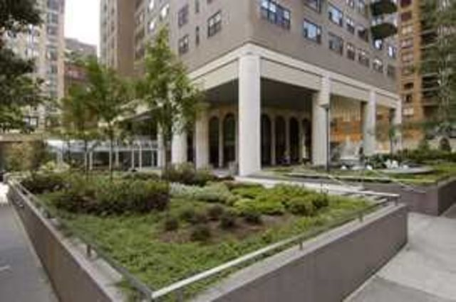 60 East 8th Street, Unit 18M Image #1