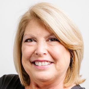 Lynda Rowinski,                       Agent in San Diego - Compass