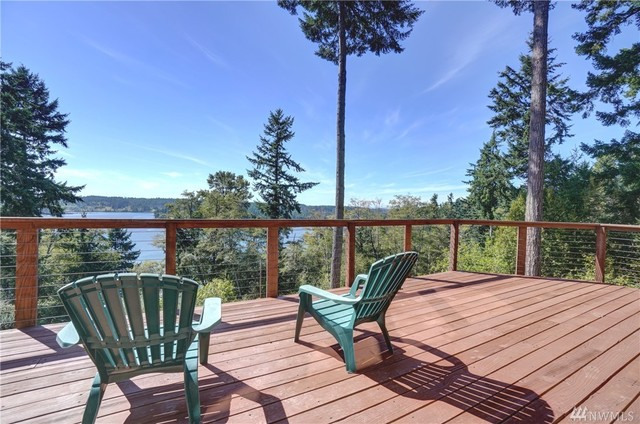 12508 Cole Point Drive Anderson Island, WA 98303