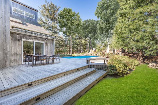 52 Ely Brook Road East Hampton, NY 11937