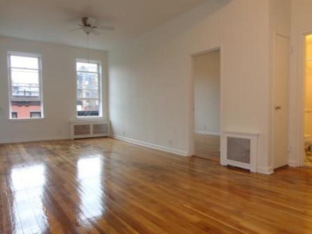 259 West 12th Street, Unit 4B Image #1