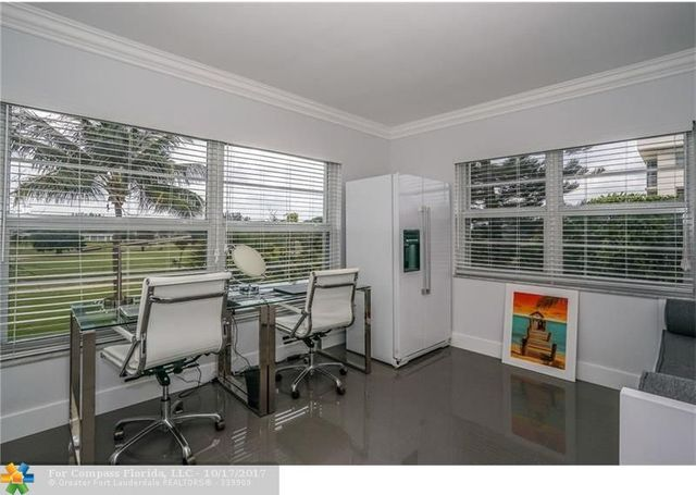 2950 North Palm Aire Drive, Unit 401 Image #1