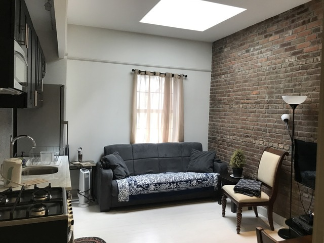 459 West 43rd Street, Unit 3R Image #1