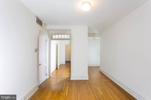 235 South 15th Street, Unit 302 Philadelphia, PA 19102