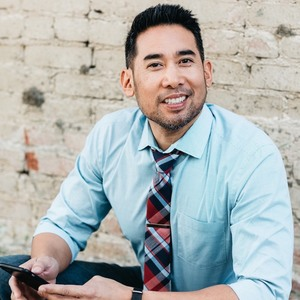 Dave Celi,                       Agent in Los Angeles - Compass