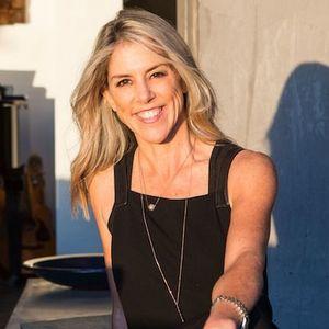 Nikki Hochstein,                     Agent in Los Angeles - Compass