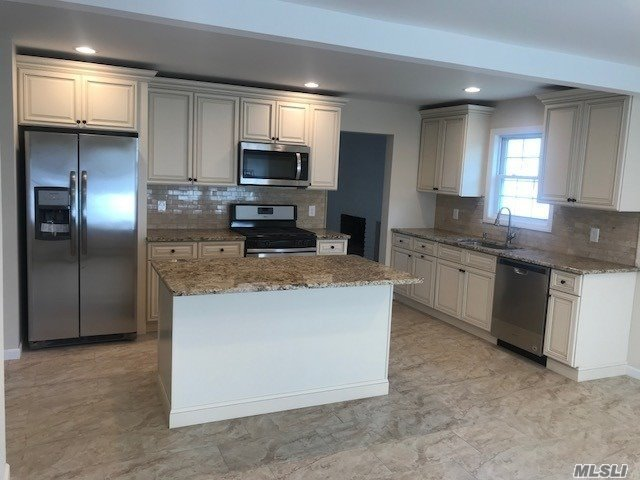 226 Leaf Avenue Central Islip, NY 11722