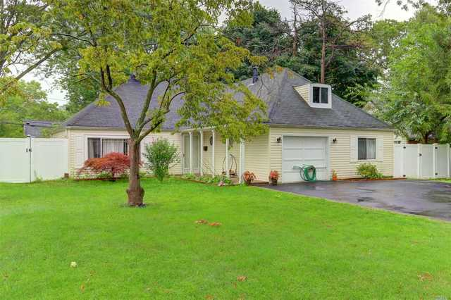97 South Bedford Avenue Islandia, NY 11749