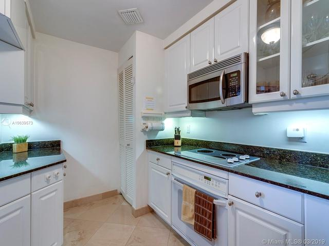 705 Crandon Boulevard, Unit PH5 Key Biscayne, FL 33149