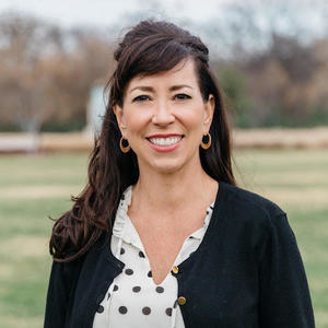 Bethany Oram,                       Agent in Dallas-Fort Worth - Compass