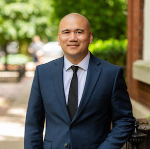 Angelito Santos,                       Agent in Chicago - Compass
