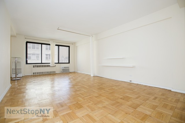 200 East 36th Street, Unit 13F Image #1