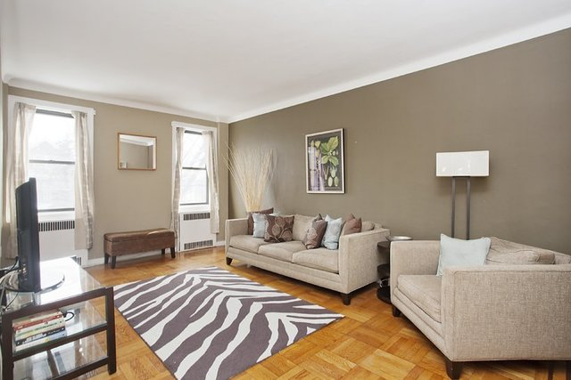 192 East 8th Street, Unit 2D Image #1