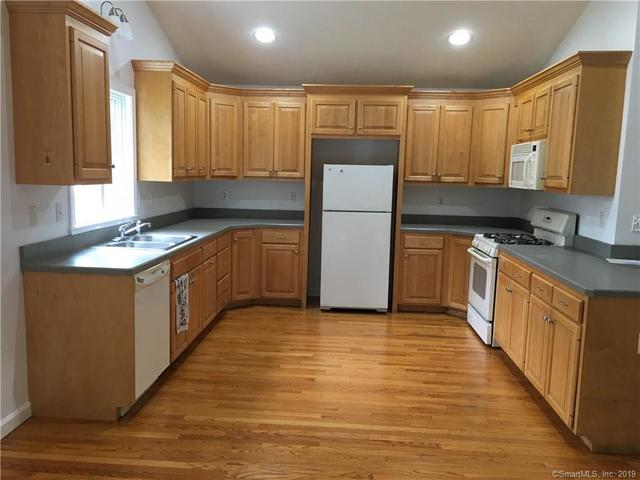 38 Summerwood Lane, Unit 38 South Windsor, CT 06074