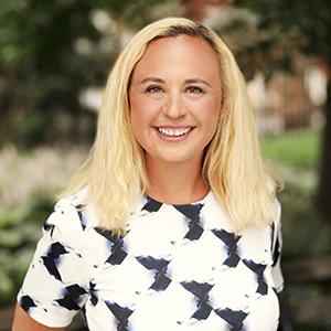 Sarah Schissler,                     Agent in NYC - Compass
