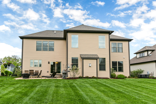20 Landon Circle Wheaton, IL 60189