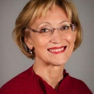 Cindy Hillery,                     Agent in San Francisco - Compass