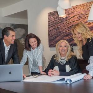 Heidi Houston Team,                     Agent in Aspen - Compass