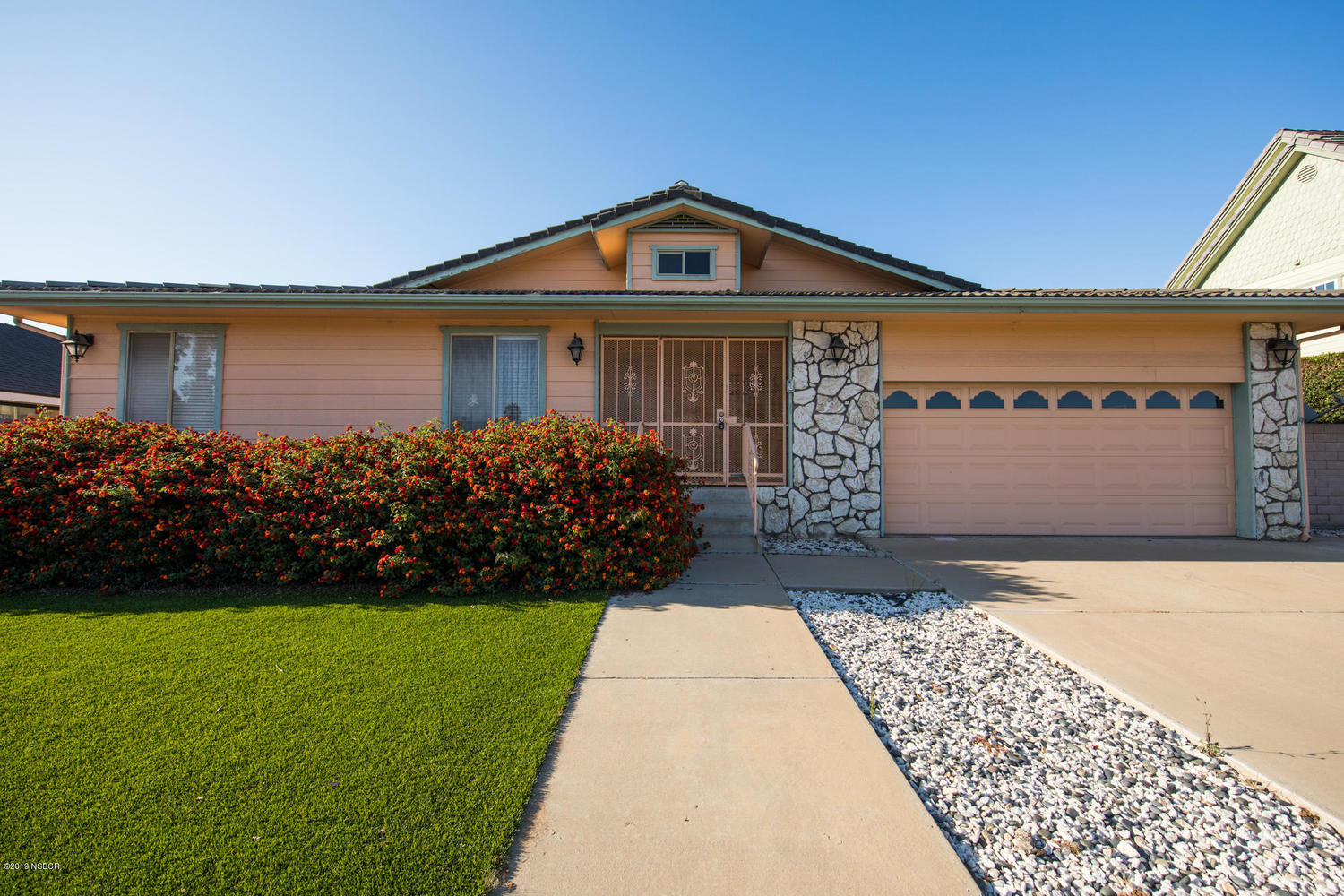 329 St Andrews Way Santa Maria, CA 93455