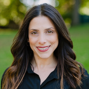 Lizette Sinhart,                     Agent in Westchester, NY - Compass