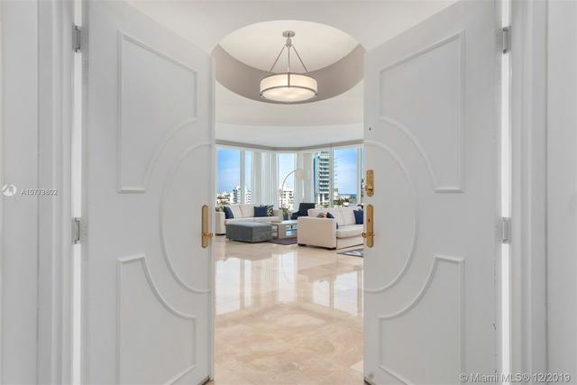 300 South Pointe Drive, Unit 805 Miami Beach, FL 33139
