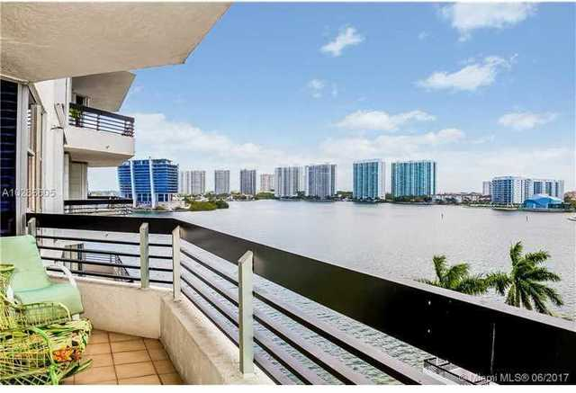 3600 Mystic Pointe Drive, Unit 802 Image #1