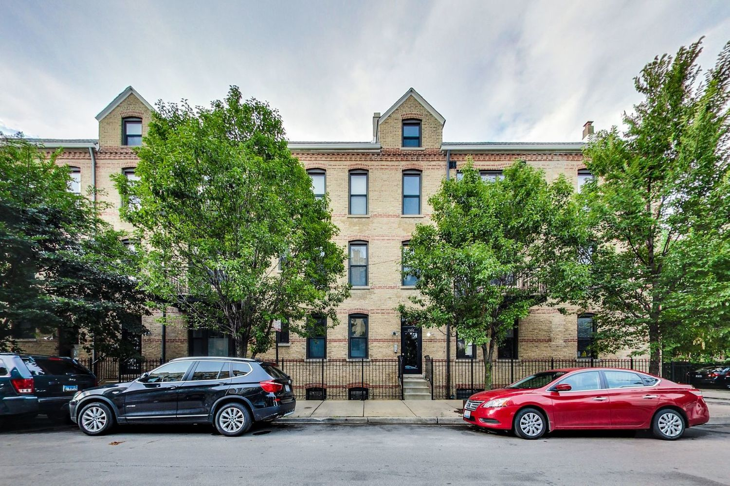 1501 North Bosworth Avenue, Unit 1C Chicago, IL 60642