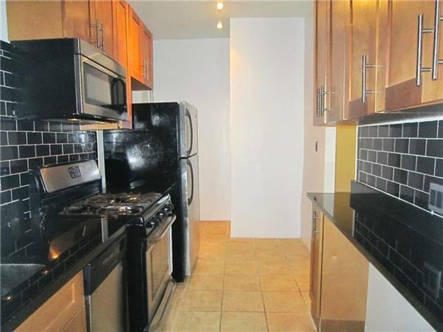 409 West 52nd Street, Unit 3R Image #1