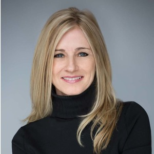 Deirdre Hollenbeck,                       Agent in Los Angeles - Compass
