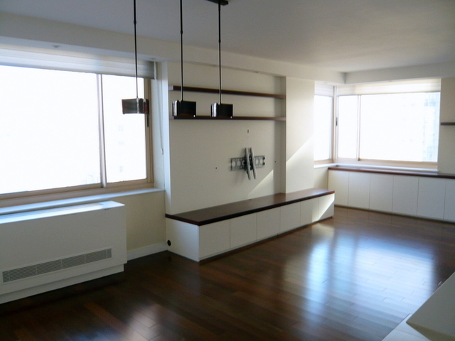 250 South End Avenue, Unit 15B Image #1