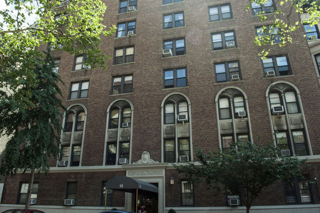 18 West 70th Street, Unit 9E Image #1