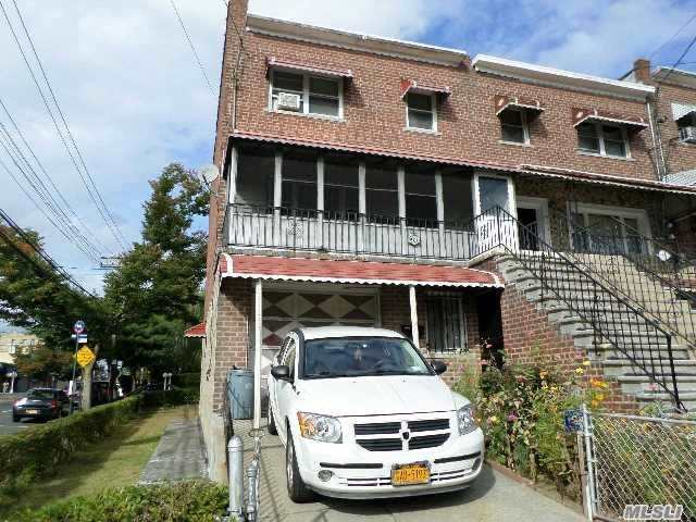 901 East 218th Street Out Of Area Town, NY 10469